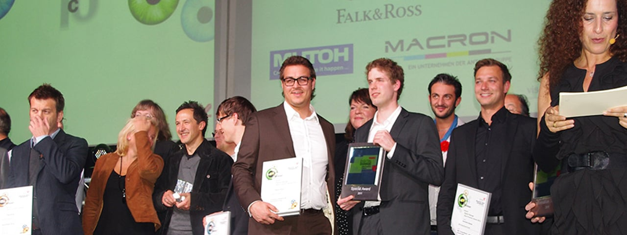 https://www.eyefactive.com/img/press-releases/pr_2011_10_viscom-award/stage/pressemitteilung-best-practice-award-viscom-2011-eyefactive-branding.jpg