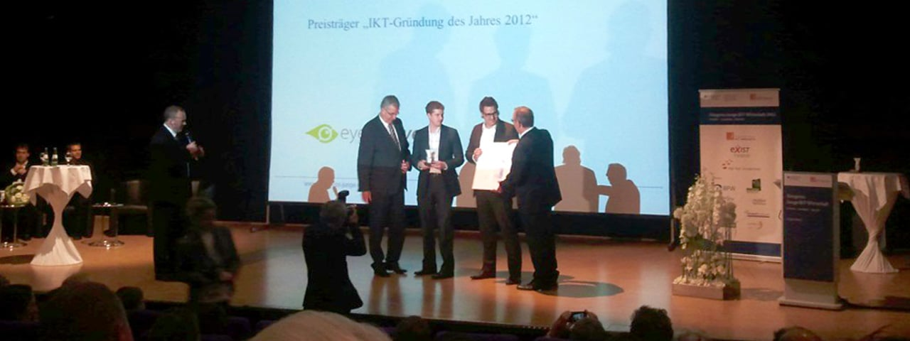 https://www.eyefactive.com/img/press-releases/pr_2012_06_ikt_award/stage/eyefactive-ikt-gruendung-des-jahres-bmwi.jpg