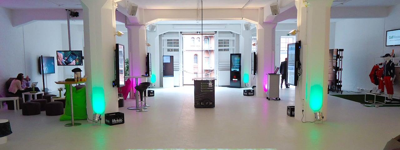 https://www.eyefactive.com/img/press-releases/pr_2012_06_showroom/stage/2012-06-kommatec-ShowRoom-01.jpg