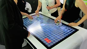large-scale-touchscreens-and-software-for-interactive-digital-signage-02.jpg