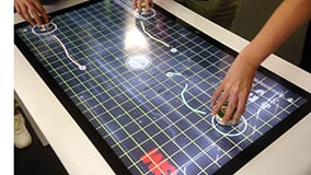 large-scale-touchscreens-and-software-for-interactive-digital-signage-03.jpg