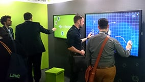 large-scale-touchscreens-and-software-for-interactive-digital-signage-05.jpg
