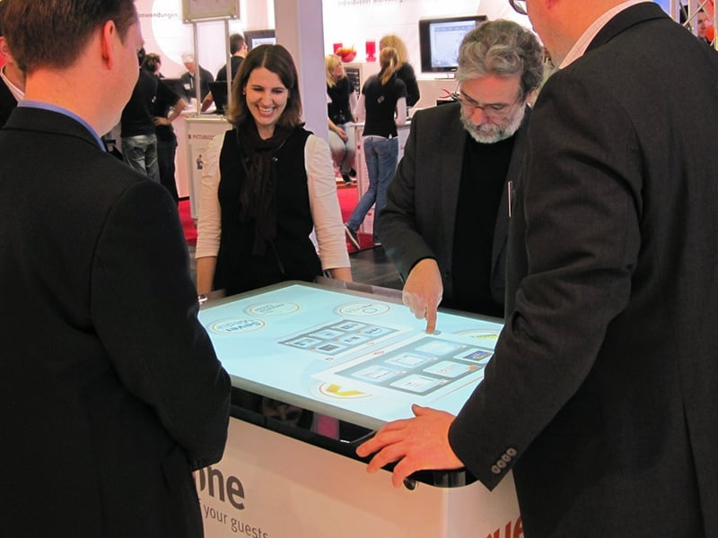 Advantages: Interactive Touch Screen Tables