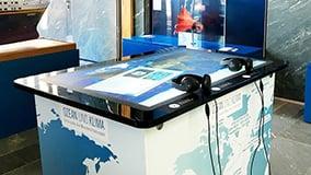 multi-touch-screen-tisch-aeon.jpg