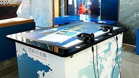 multi-touch-screen-table-aeon.jpg