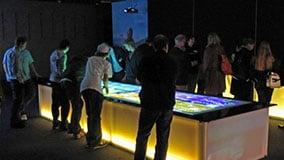 riesiger-grosser-touchscreen-tisch-02-live-04.jpg