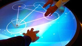 runde-multi-touch-screen-tische.jpg