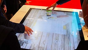 uhd-multitouch-table-nec-3m-object-recognition-live-03.jpg