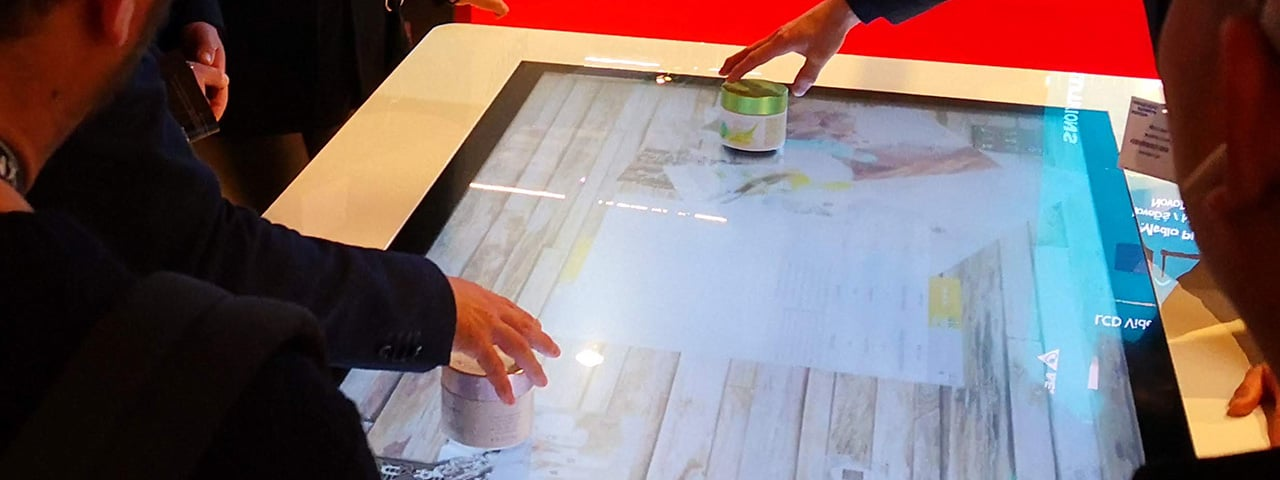 UHD Multitouch Table with Object Recognition 01