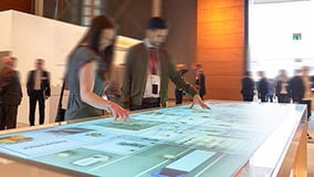 interactive-multi-touch-table-jungheinrich.jpg