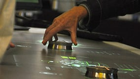 automechanica-2010-stereolize-mann-filter-multi-touch-screen-table-03.jpg