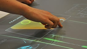 automechanica-2010-stereolize-mann-filter-multi-touch-screen-table-06.jpg
