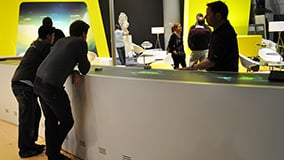 automechanica-2010-stereolize-mann-filter-multi-touch-screen-table-11.jpg
