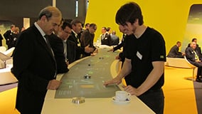 automechanica-2010-stereolize-mann-filter-multi-touch-screen-table-12.jpg