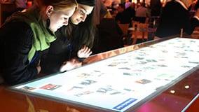 mercedes-benz-bank-iaa-2010-multitouch-eyefactive-03-foto-app.jpg