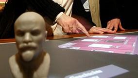 ddr-museum-berlin-interaktive-multitouch-applikation-software-app-eyefactive-06.jpg
