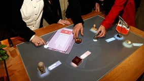 ddr-museum-berlin-interaktive-multitouch-applikation-software-app-eyefactive-07.jpg