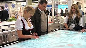 interactive-multi-touch-screen-table-ziemann-15.jpg