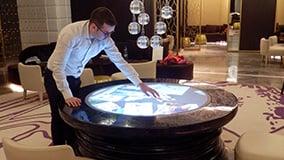 round-touchscreen-table-hyatt-hotel-bar-istanbul-03.jpg