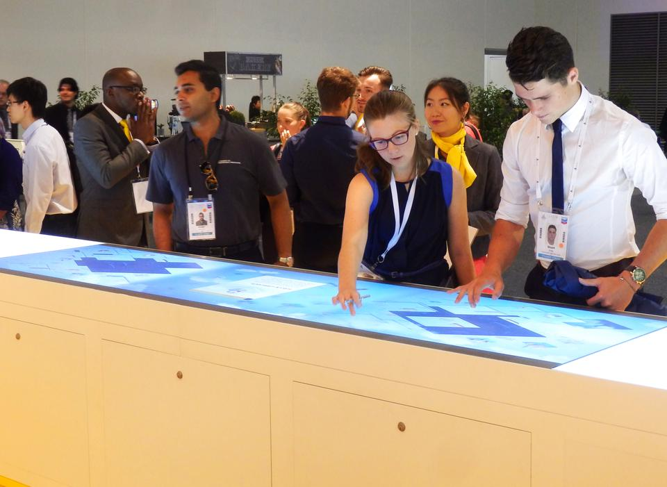 Shell Global Exhibition Programme : Shell uses two xl multitouch tables as international