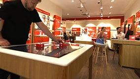 interactive-touchscreen-retail-pos-vodafone-touch-table-01.jpg