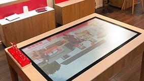 interactive-touchscreen-retail-pos-vodafone-touch-table-03.jpg
