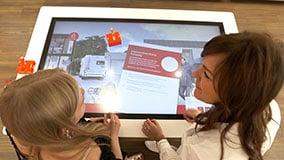 interactive-touchscreen-retail-pos-vodafone-touch-table-06.jpg