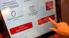 interactive-touchscreen-retail-pos-vodafone-touch-terminals-03.jpg