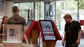 interactive-touchscreen-retail-pos-vodafone-touch-terminals-05.jpg