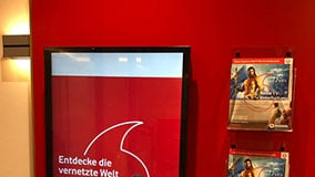 interactive-touchscreen-retail-pos-vodafone-vertical-01.jpg