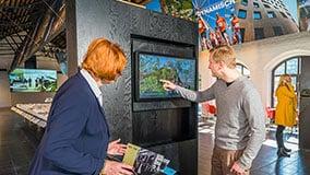 hafencity-hamburg-kesselhaus-interactive-signage-touchscreen-table-software-01-02.jpg