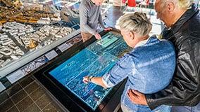 hafencity-hamburg-kesselhaus-interactive-signage-touchscreen-table-software-01-07.jpg